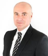 Steve Sirmakesyan, Courtier immobilier agréé