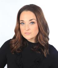 Lucie Cochez, Courtier immobilier