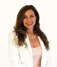 Maria Longo, Courtier immobilier