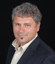 Stéphane Yerachuk, Courtier immobilier