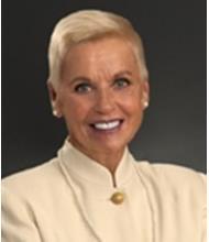 Nicole La Barre, Courtier immobilier
