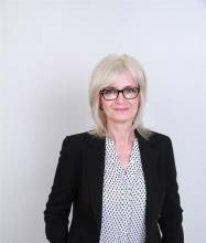 Sandra Hussey, Courtier immobilier