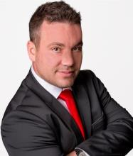 Steve Waters, Courtier immobilier