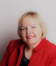 Anita Lasis, Courtier immobilier