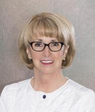 Diane Ouellet, Courtier immobilier