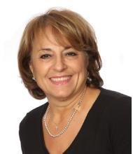Hilda Nourcy, Courtier immobilier