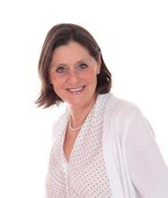 Manuela Ogez, Real Estate Broker
