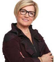 Maxine Larose, Courtier immobilier résidentiel