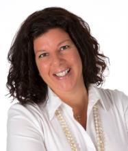Rita Cascione, Courtier immobilier