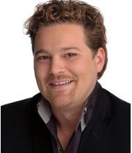 John Morris, Courtier immobilier agréé