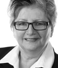 Diane Asselin, Courtier immobilier