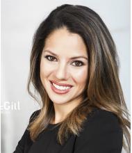 Anika Quicquaro, Courtier immobilier résidentiel
