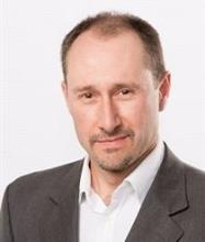 Diego Giachero, Courtier immobilier