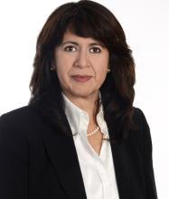 Alejandra Méndez, Real Estate Broker