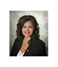 Maria Luisa Benavides, Courtier immobilier
