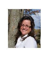 Julie Lamontagne, Courtier immobilier