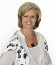 Joanne Fleury, Courtier immobilier agréé