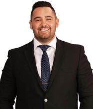 Matthew Olivares, Courtier immobilier résidentiel