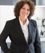 Penny Levine, Courtier immobilier agréé