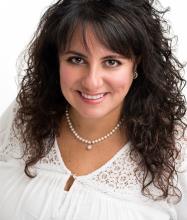 Sarah Namer, Courtier immobilier agréé