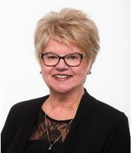 Suzanne Bourbeau, Courtier immobilier