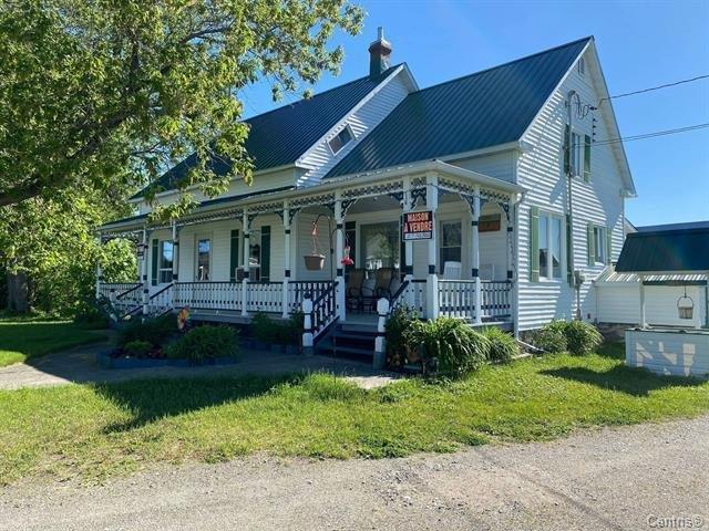 Fermette à vendre à Béarn, Abitibi-Témiscamingue, 16A, 2e Rue Nord, 25467425 - Centris.ca