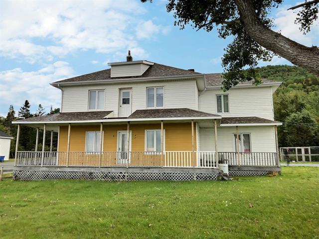 Maison à vendre à Rivière-à-Claude, Gaspésie/Îles-de-la-Madeleine, 394, Rue  Principale Est, 20170369 - Centris.ca