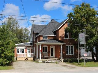 Maison à vendre à Maniwaki, Outaouais, 220 - 222A, Rue  Notre-Dame, 19804358 - Centris.ca