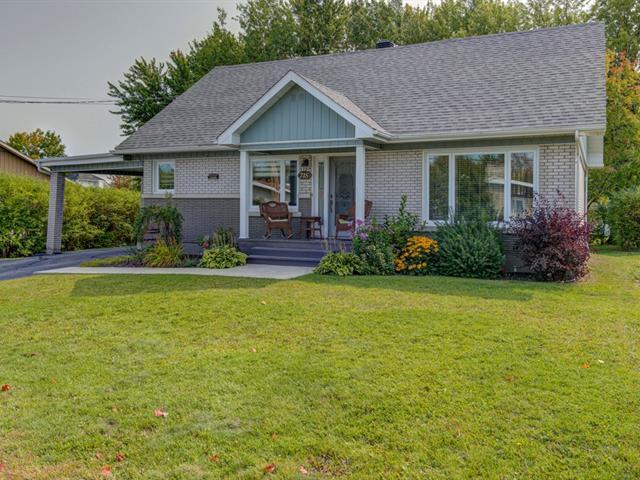 Maison à vendre à Saint-Georges, Chaudière-Appalaches, 715, 15e Rue, 12338312 - Centris.ca