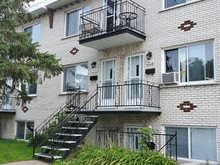 Triplex à vendre à Longueuil (Le Vieux-Longueuil), Montérégie, 412 - 416, Rue  Briggs Est, 17991397 - Centris.ca