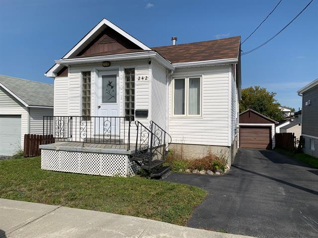 House for sale in Rouyn-Noranda, Abitibi-Témiscamingue, 242, Rue  Taschereau Ouest, 28452164 - Centris.ca