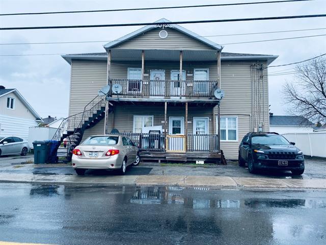 Quadruplex à vendre à Alma, Saguenay/Lac-Saint-Jean, 1835 - 1849, Rue  Melançon Ouest, 16583155 - Centris.ca
