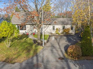 House for sale in Sainte-Thérèse, Laurentides, 642, Carré  Dufault, 22181627 - Centris.ca