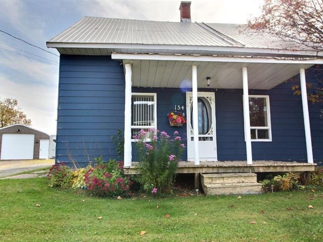 Cottage for sale in Fortierville, Centre-du-Québec, 154, Rue  Principale, 22104086 - Centris.ca