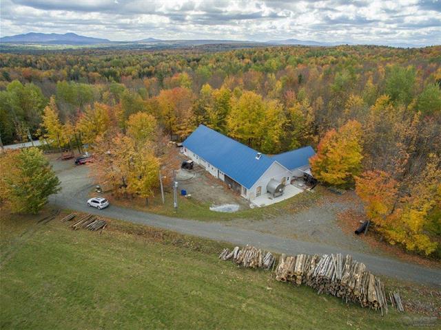 Terre à vendre à Sainte-Anne-de-la-Rochelle, Estrie, 103, Chemin  Arnold, 14691303 - Centris.ca