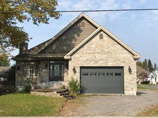 Maison à vendre à Saint-Ambroise, Saguenay/Lac-Saint-Jean, 814, Rue  Simard, 18361749 - Centris.ca