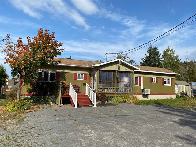 Maison mobile à vendre à Saint-Pascal, Bas-Saint-Laurent, 329, Avenue  Lajoie, 24686589 - Centris.ca