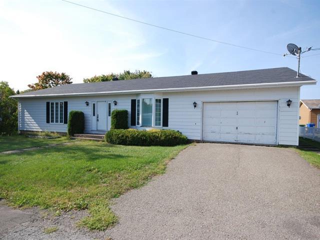Maison à vendre à New Carlisle, Gaspésie/Îles-de-la-Madeleine, 40, Rue  Green, 21878183 - Centris.ca