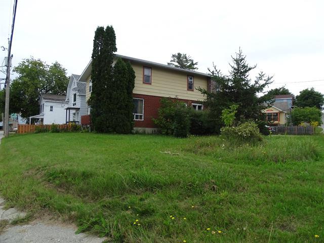 Maison à vendre à Maniwaki, Outaouais, 195, Rue  King, 27815104 - Centris.ca