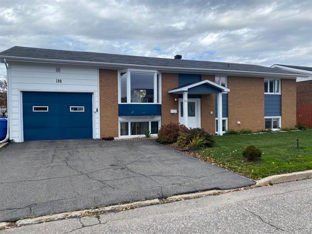 House for sale in Sept-Îles, Côte-Nord, 135, Rue du Saint-Olaf, 26137626 - Centris.ca