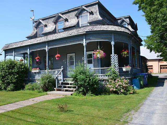 Triplex à vendre à Stanbridge East, Montérégie, 43, Rue  River, 10727221 - Centris.ca