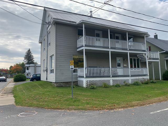 Triplex for sale in Charette, Mauricie, 452 - 456, Rue de l'Église, 16844568 - Centris.ca