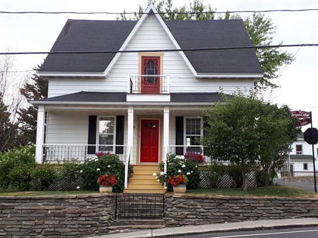 Maison à vendre à Mont-Joli, Bas-Saint-Laurent, 1632, boulevard  Jacques-Cartier, 28473502 - Centris.ca