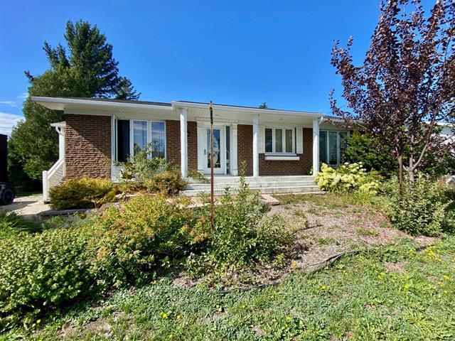 House for sale in Rimouski, Bas-Saint-Laurent, 210, Rue  Monseigneur-Plessis, 17405320 - Centris.ca