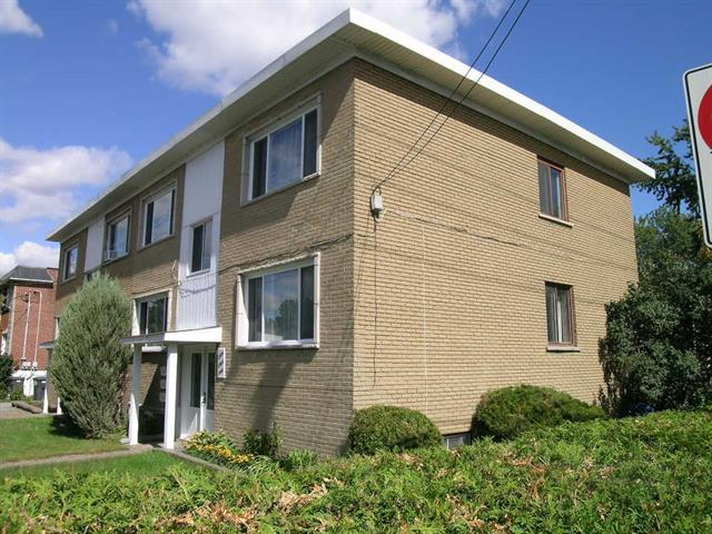 Triplex for sale in Montréal (Rivière-des-Prairies/Pointe-aux-Trembles), Montréal (Island), 11904 - 11908, Rue  Ontario Est, 12633158 - Centris.ca