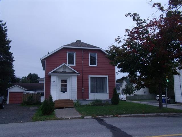 House for sale in Rimouski, Bas-Saint-Laurent, 297, Avenue  Rouleau, 20159682 - Centris.ca
