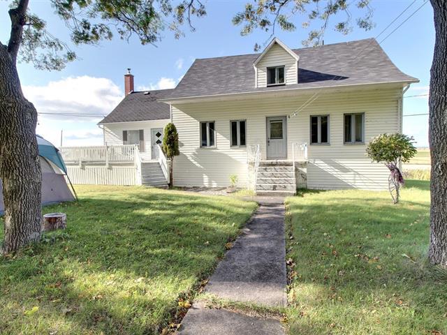 Maison à vendre à L'Isle-Verte, Bas-Saint-Laurent, 217, Route  132 Ouest, 25843451 - Centris.ca