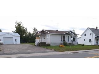 Maison à vendre à Saint-Ambroise, Saguenay/Lac-Saint-Jean, 10, Rue du Pont Ouest, 20816013 - Centris.ca