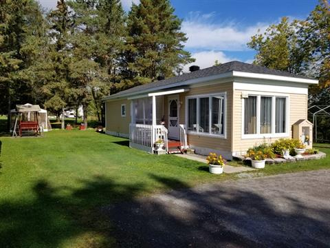 Mobile home for sale in Saint-Casimir, Capitale-Nationale, 125, 8e Rue, 23282045 - Centris.ca