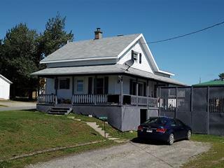 Maison à vendre à Saint-Luc-de-Bellechasse, Chaudière-Appalaches, 227, Rue  Principale, 26932141 - Centris.ca
